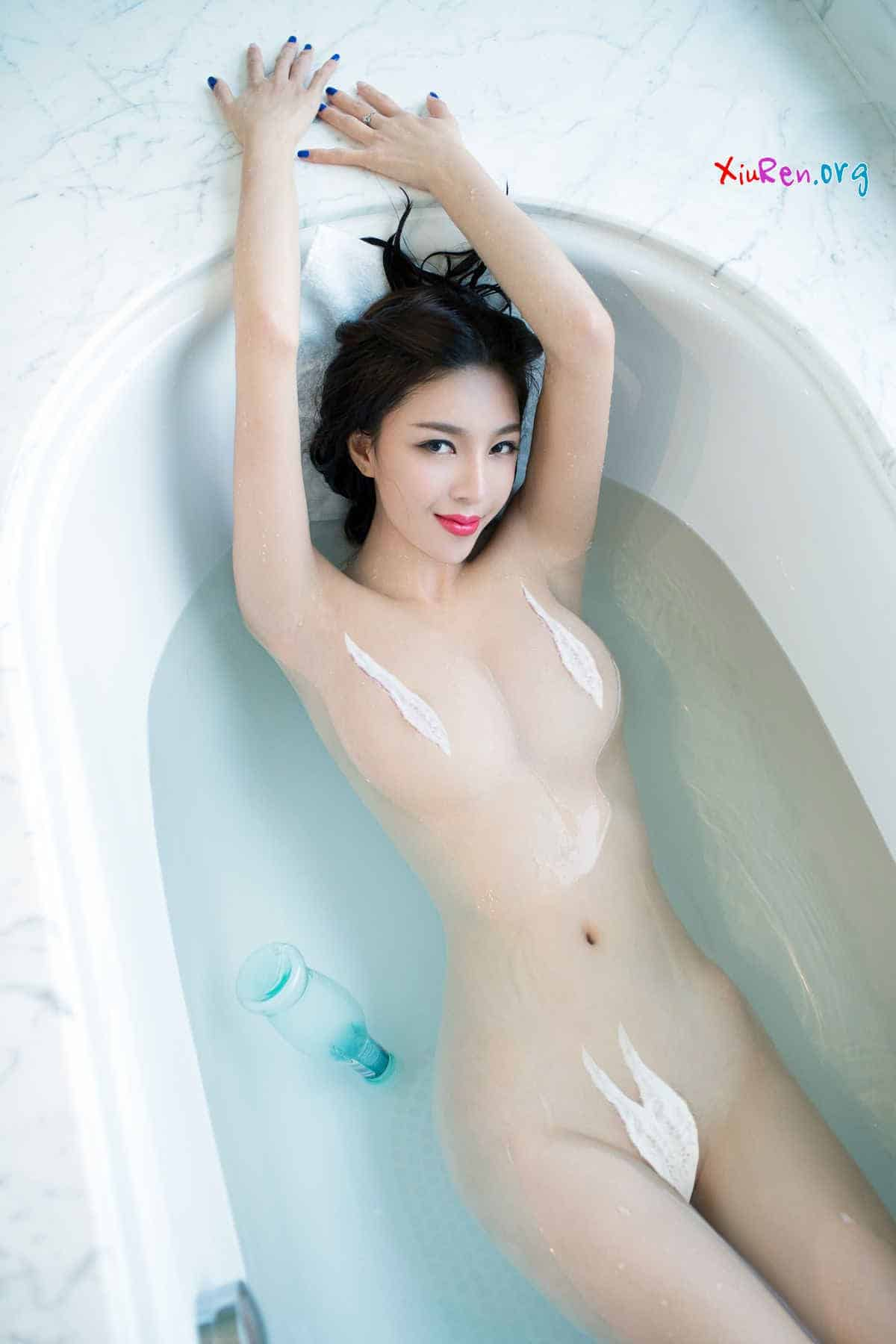 anh nude khong che